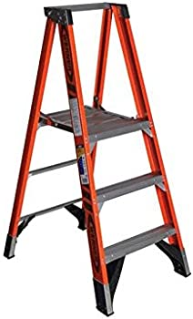 Werner 9 ft. Reach Fiberglass Platform Step Ladder 375 lb.