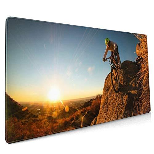 Mountainbike Man fietser zonsopgang zonsondergang landschap hemel zonlicht stralen mensen mannen extreme steen rock muismat niet slip rubber groot Gaming toetsenbord mat 15.8x35.5 in