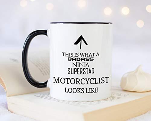 Dit is wat een badass motorrijder eruit ziet als 11oz koffiemok Thee Geschenk voor Biker Bike Club Lid Motorfiets Fietscadeau