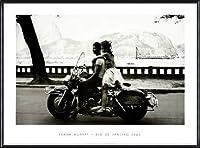 ポスター フランク ホーヴァット Couple on Harley Rio de Janeiro 1963 額装品 アルミ製ハイグレードフレーム(ブラック)