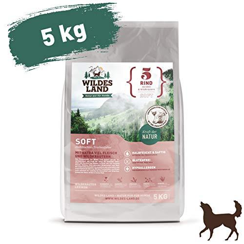 Wildes Land | Halbfeuchtes Trockenfutter für Hunde | Nr. 5 Rind | 5 kg | mit Reis und Wildkräutern | Glutenfrei | Extra viel Fleisch | Soft Für alle Hunderassen | Beste Akzeptanz und Verträglichkeit