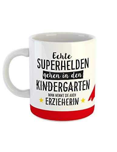 clothinx Geschenk-Tasse Echte Superhelden gehen in den Kindergarten man nennt sie auch Erzieherin