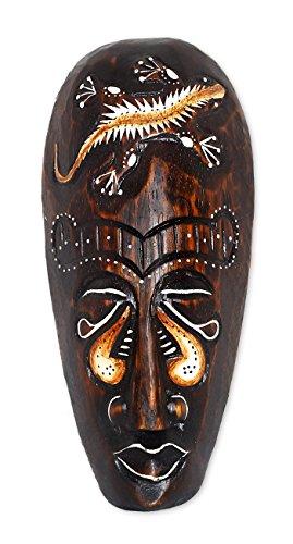 TEMPELWELT Wanddekoration Maske Holzmaske mit Gecko Motiv 20 cm, Holz braun weiß, Kunsthandwerk Bali Lombok Dekomaske im afrikanischen Stil