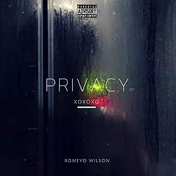 Privacy Xoxoxo - EP
