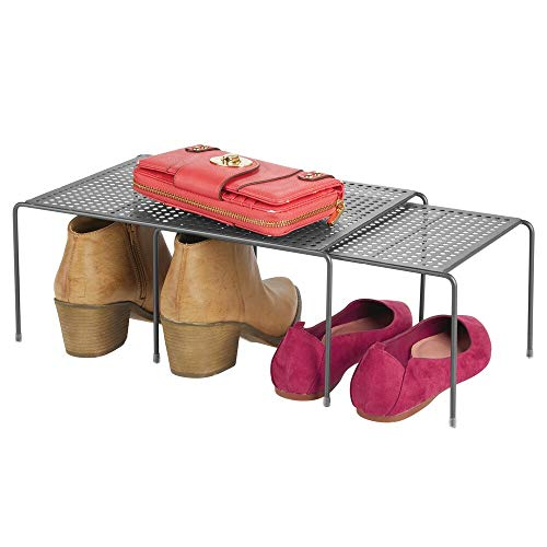 mDesign Estante zapatero con dos partes – Práctico organizador de zapatos de metal para ampliar la capacidad de almacenaje en el pasillo – Balda extensible y antideslizante – gris oscuro