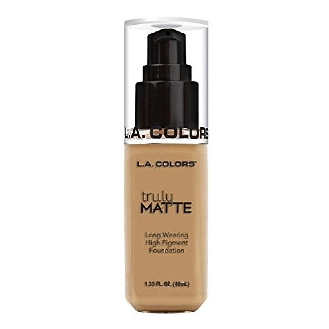 待つ哲学博士エスカレート(3 Pack) L.A. COLORS Truly Matte Foundation - Medium Beige (並行輸入品)