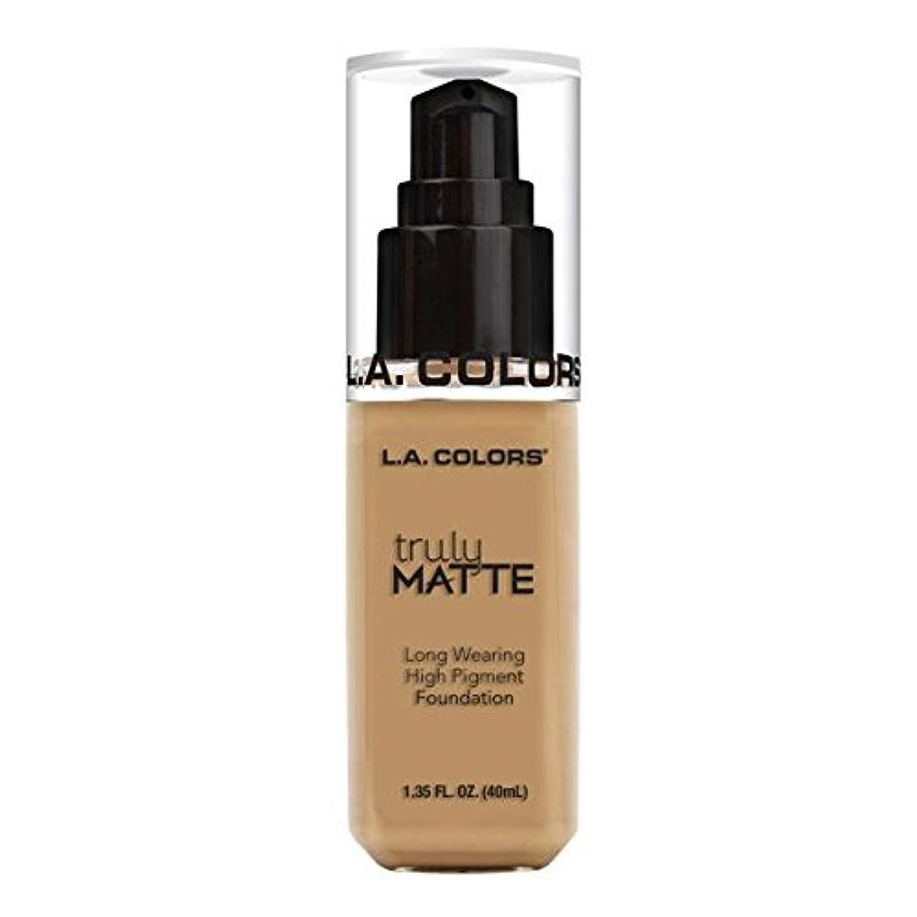 風景原告ゴールド(3 Pack) L.A. COLORS Truly Matte Foundation - Medium Beige (並行輸入品)