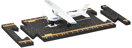 Hot Wings Planes Cessna 172 Jet with Connectible Runway, White/Blue (13107)