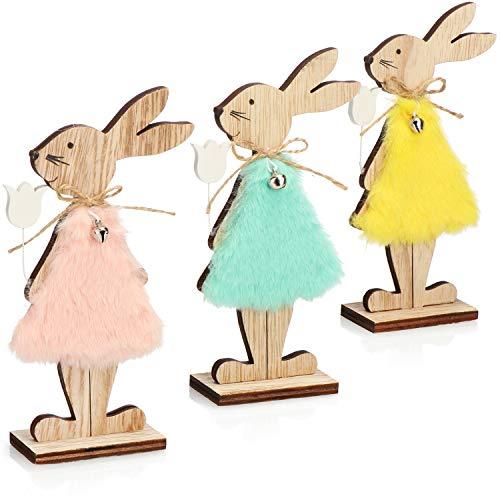 com-four® 3X Coniglietti pasquali da appoggiare in Legno - Figure Decorative per Pasqua - Coniglietti con Vestito e Fiore (Set05 - Conigli con Fiore)