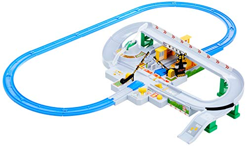 Takara Tomy Plarail Let's Play With Tomica Kuruzo Kankan Tread Set W18.5 x H12.2 x D4.3 inches (W470 x H310 x D110 mm)