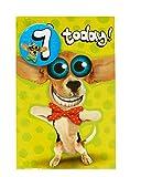 Tarjeta de felicitación de 7º cumpleaños para niños y niñas con insignia, perro humorístico con ojos grandes, de la gama Twisted Whiskers (ukg-619341)