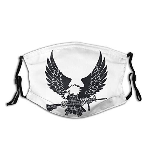 Nicegift Geier hält amerikanisches M4-Sturmgewehr in den Pfoten Adult Filter Mask Cloth Breathable Washable and Reusable