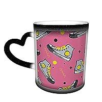 マグカップ 色変 コーヒーカップ マグ カップ 陶器 ピンクの背景の幾何学的形状のスニーカー