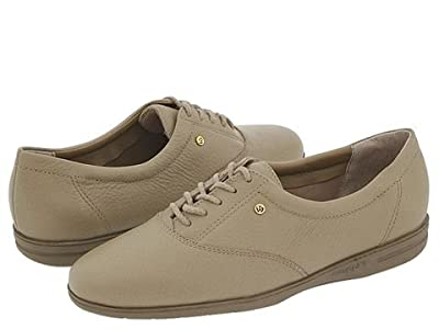 Easy Spirit Motion (Wheat Leather) Women
