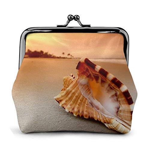 Puesta de Sol sobre el mar con la Concha Concha Cuero de la...