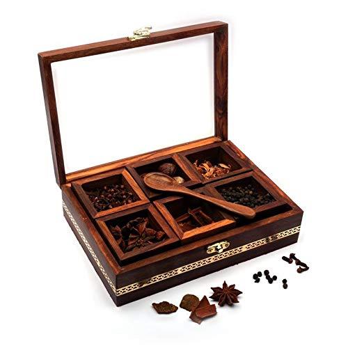 WorldOfIndianArt presenta 6 contenedores hechos a mano para especias Masala Lock Rack acento con trabajo de latón y cuchara de madera artística