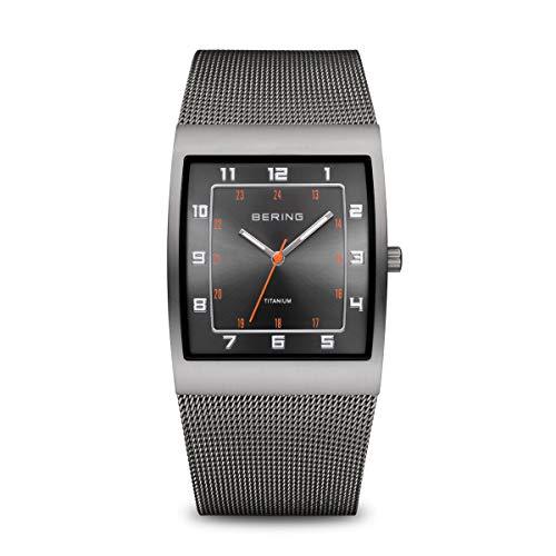 BERING Reloj Analógico Titanium Collection para Hombre de Cuarzo con Correa en Acero Inoxidable y Vidrio Mineral 11233-077