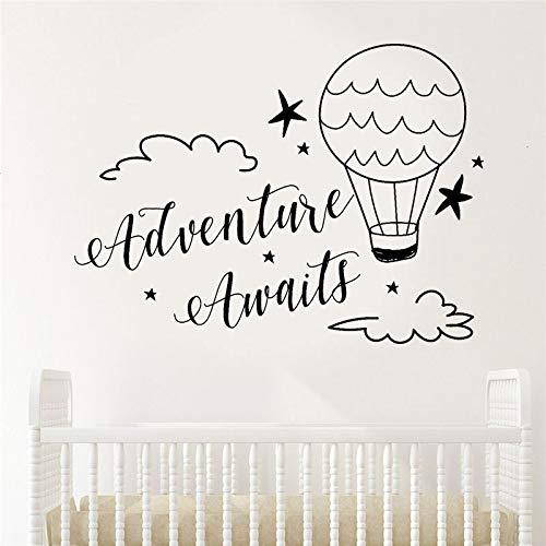 Abenteuer erwartet Wandtattoo Zitat Vinyl Wohnkultur Kinderzimmer Wolken und Hotair Luftballons Reise Aufkleber Jungen Baby Zimmer Aufkleber 42 * 57cm