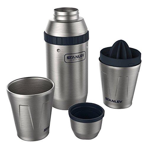 Stanley Adventure Happy Hour System, Cocktail- und Bar-Set inkl. 2 Becher (à 200 ml), 0, 6 Liter Shaker, 18/8 Edelstahl, mit integrierter Zitruspresse und Eiswürfel-Behälter