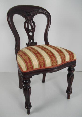 Stuhl Art Kolonial Barock auf nussbaumfarben gebeitzt