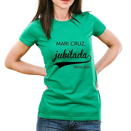 Calledelregalo Regalo de jubilación Personalizable: Camiseta 'jubilada' Personalizada con su Nombre y el año de su jubilación (Verde)