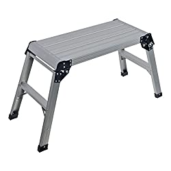 Aluminium construction folds-flat for simple storage Ideal for painting, decorating, cleaning, gardening & all kinds of odd job Non-slip tread surface with anti-skid feet Platform Dimensions (L x W x H): 910 x 415 x 500mm Folded dimensions (L x W x H...