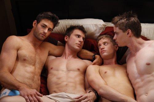 Nackt muskel gay Gay Muscle