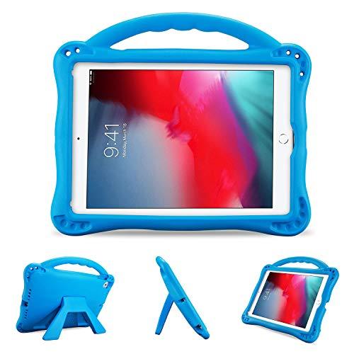 ProCase Funda Infantil iPad 9,7 6.ª/5.ª, iPad Pro 9.7, Air 2/1 (Modelos Viejos), Carcasa Niño Antigolpes con Asa Suave Soporte Plegable, Funda Bebé Ligera para iPad 9.7 2018 2017 iPad Air 1/2