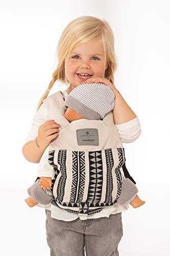 manduca Puppentrage (Doll Carrier) Puppentragetasche für Baby-Puppen & Stofftiere, Biobaumwolle, Geschenkkarton, Puppenzubehör für Kinder ab 18 Monaten (bellybutton Edition, BohoBlue)