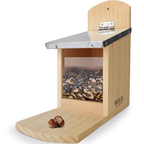 WILDLIFE FRIEND | Eichhörnchen Futterhaus - fertig montiert aus Kiefernholz & 100% wetterfest | Futterstation zum Eichhörnchen füttern, Eichhörnchenfutterhaus, Futterstelle, Futterhäuschen