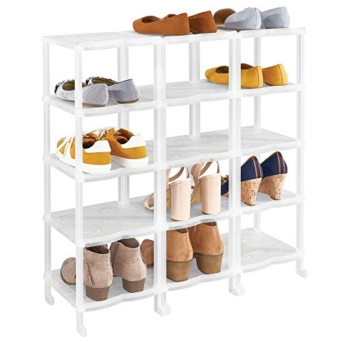 mDesign Mueble zapatero – Zapatero grande con 15 baldas para sandalias, botines y botas – Organizador de zapatos de plástico para el pasillo o el armario – blanco