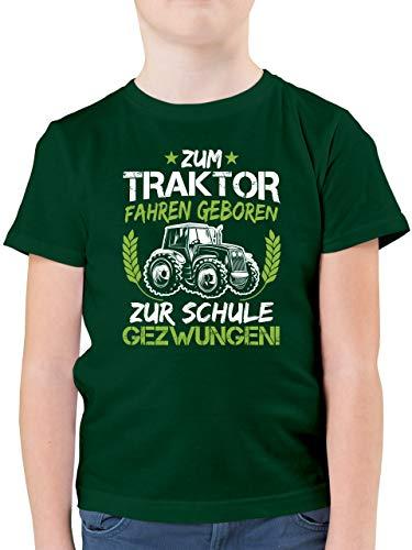 Schulkind Einschulung und Schulanfang - Zum Traktor Fahren geboren zur Schule gezwungen Grün/Weiß - 128 (7/8 Jahre) - Tannengrün - Kindershirt mit Traktoren - F130K - Kinder Tshirts und T-Shirt
