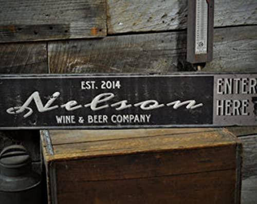 free brand Cartel personalizado de vino y cerveza Co. - Decoración rústica primitiva hecha a mano vintage de madera