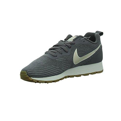 Nike Wmns MD Runner 2 Eng Mesh, Zapatillas de Deporte para Mujer, Multicolor (Gunsmoke/Guava Ice/Atmosphere Grey 006), 44 EU