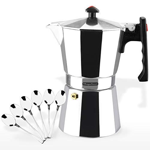 MAGEFESA Colombia – La cafetera MAGEFESA Colombia está Fabricada en Aluminio Extra Grueso. Pomo y Mangos ergonómicos de bakelita Toque Frio. (Aluminio, 6 Tazas + 6 CUCHARILLAS)