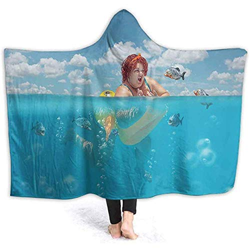 101,6 x 127,7 cm große Decke mit Kapuze, schöne junge fette Frau ist schwimmend mit gelber Ente, Rettungsring und Verteidigung.