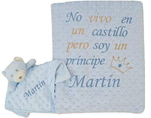 Conjunto de manta bebe bordada con frase + Doudou PERSONALIZADOS CON EL NOMBRE DEL BEBÉ. Varios colores disponibles. (Azul-Oso)