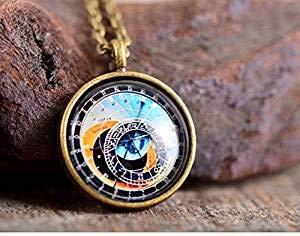 Astronomische Uhr Halskette, Prager Uhr Halskette, Glasanhänger, Prager Uhr Anhänger, Messing Halskette, Glaskette, Steampunk Halskette
