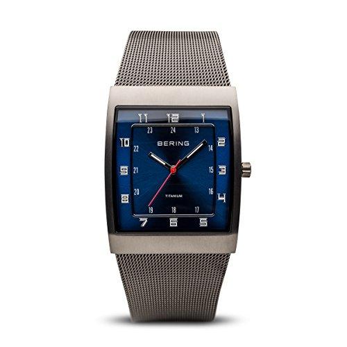BERING Time 11233-078 Herrenarmbanduhr Classic Kollektion mit Edelstahlband und kratzfestem Mineralglas.Designed in Denmark