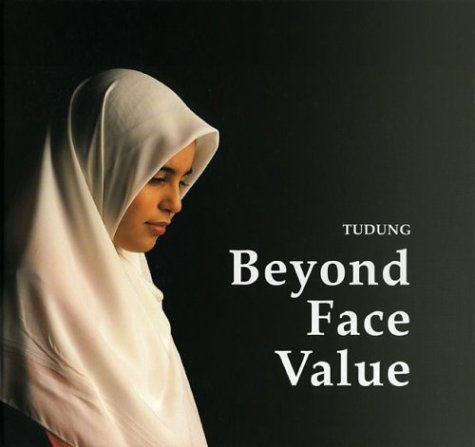 Price comparison product image Tudung: Beyond Face Value