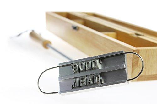 BBQ Brandeisen mit wechselbaren Buchstaben als Set mit edler Holzbox und persönlicher Wunsch-Gravur - Fleischstempel für den Grill – Grillzubehör - Geschenkidee für Männer - Brenneisen zum Grillen