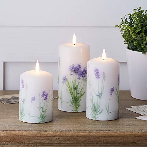 Lights4fun 3er Set weiße Lavendel TruGlow® LED Echtwachskerzen mit warmweißer LED Flamme batteriebetrieb