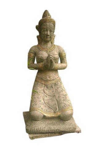 Tempeltänzerin im Gebet, Figur aus Steinguss, 94 cm hoch, Frostfest