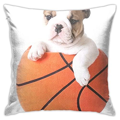 Orange Dog Sports Hound Bulldog Puppy sentado en el interior de felpa de baloncesto de peluche de pelota marrón almohada decorativa de 45,7 x 45,7 cm