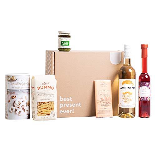 """Foodist Feinkost """"Winterzauber"""" Box mit italienischer Pasta, Pesto, BIO Glühwein aus der Eifel, Schokolade, Vanillekipferl und Likör – Geschenk Set mit Alkohol für Gourmets"""