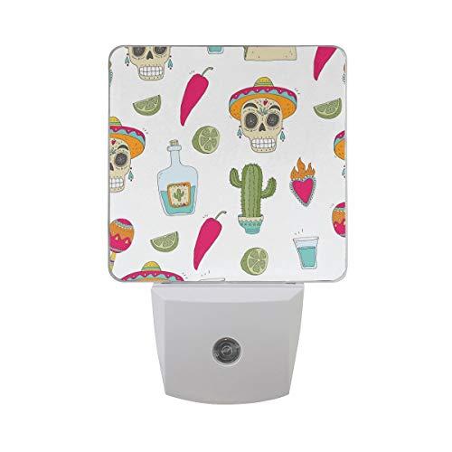 AOTISO Schedel met Mexicaans eten en Cactus Rode Peper Kiwi Op Wit Auto Sensor Nachtlampje Plug In Indoor