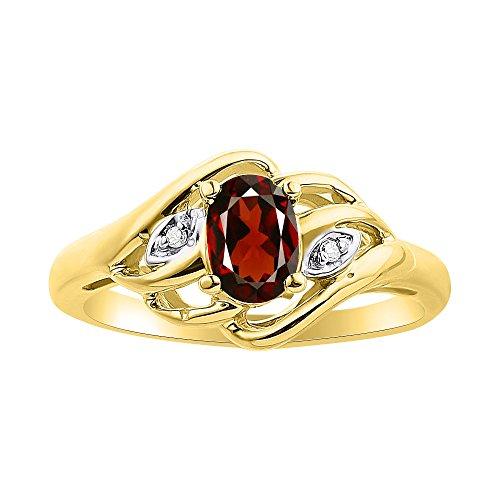 Juego de anillos de diamante y granate chapados en oro amarillo con piedra natal de plata