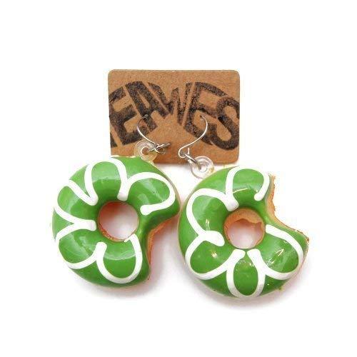WeAreAwesome Pendientes de donut – 2 unidades – Pendientes Kitsch Party Sweet Doughnut Sugar Pendientes, color: Verde Blanco
