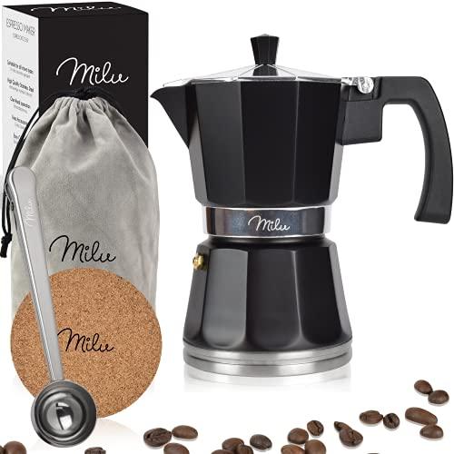 Milu Espressokocher Induktion geeignet | 3, 6, 9 Tassen | Aluminium Mokkakanne, Espressokanne, Espresso Maker Set inkl. Untersetzer, Löffel, Bürste (Schwarz, 3 Tassen (150 ml)