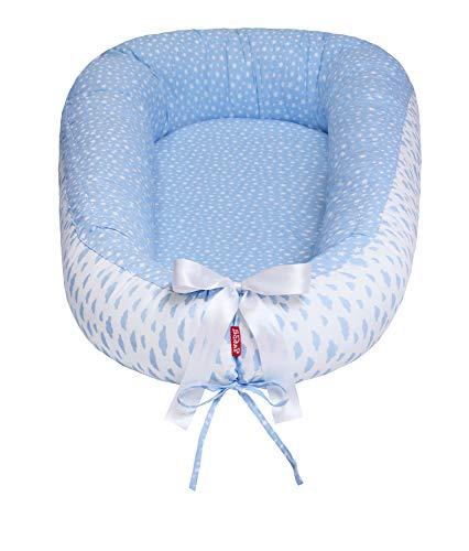 Scamp Babynest Premium para niños, bebés, cuna de viaje, 100% algodón antialérgico, estándar Oeko-Tex 100, con colchón de coco (Little cloods blue)